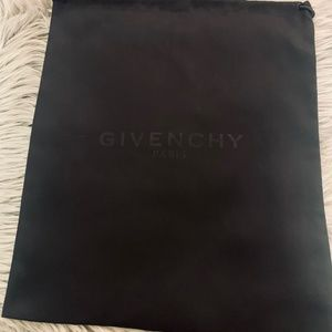 Shoe dust bag w/black logo - GIVENCHY